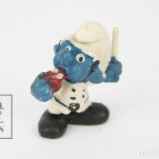 Figuras de Goma y PVC: FIGURITA DE GOMA - PITUFO POLICIA / GUARDIA DE TRÁFICO - SIN MARCA. Lote 121880910