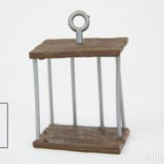 Figuras de Goma y PVC: JAULA PITUFO - CÁRCEL PITUFO - SIN MARCA - AÑOS 80 - FALTAN PIEZAS. Lote 121880964