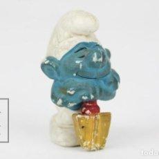 Figuras de Goma y PVC: FIGURA DE GOMA - PITUFO CON PALA DORMIDO - AÑOS 80 - SIN MARCA. Lote 121882535