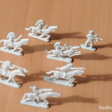 Figuras de Goma y PVC: CONJUNTO DE FIGURAS DE INDIOS OESTE MONTAPLEX. ORIGINALES AÑOS 60.. Lote 121911487