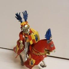 Figuras de Goma y PVC: GUERRERO CABALLERO MEDIEVAL CON SÍMBOLO DE LAS ALAS DE LA PRESTIGIOSA MARCA PLASTOY MEDIDAS 14X13CMS. Lote 122092519