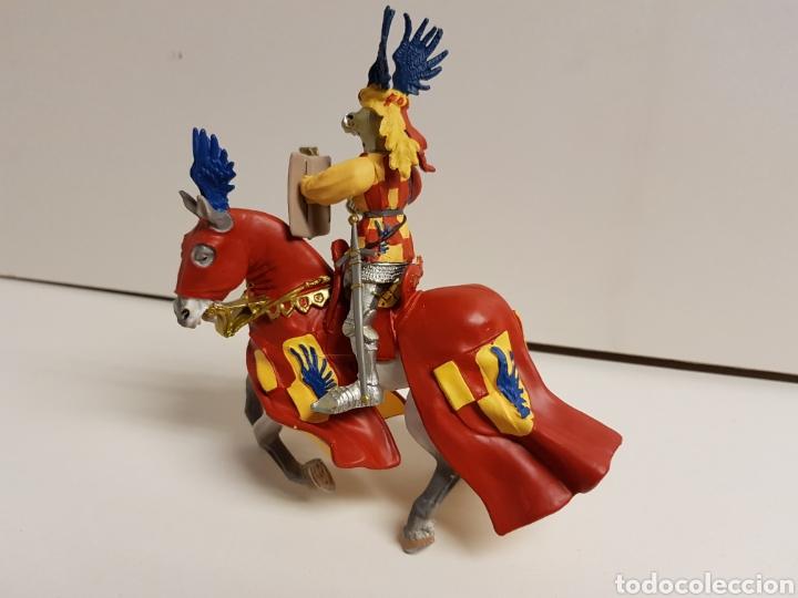 Figuras de Goma y PVC: Guerrero caballero medieval con símbolo de las alas de la prestigiosa marca plastoy medidas 14x13cms - Foto 4 - 122092519
