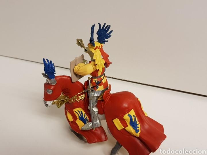 Figuras de Goma y PVC: Guerrero caballero medieval con símbolo de las alas de la prestigiosa marca plastoy medidas 14x13cms - Foto 5 - 122092519