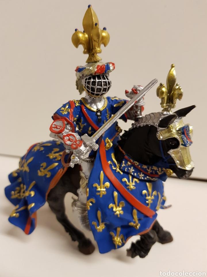 Figuras de Goma y PVC: Fantástico caballero medieval a caballo años 90 goma plástica plastoy medidas 12,5x12cms azul - Foto 2 - 122093387