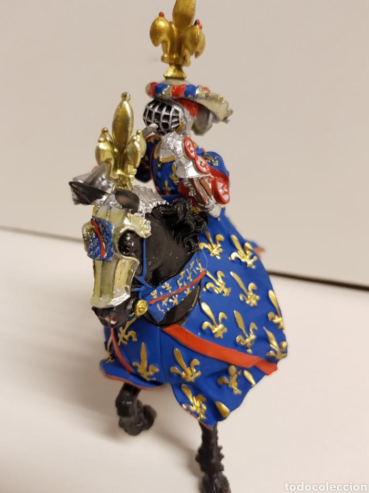 Figuras de Goma y PVC: Fantástico caballero medieval a caballo años 90 goma plástica plastoy medidas 12,5x12cms azul - Foto 4 - 122093387