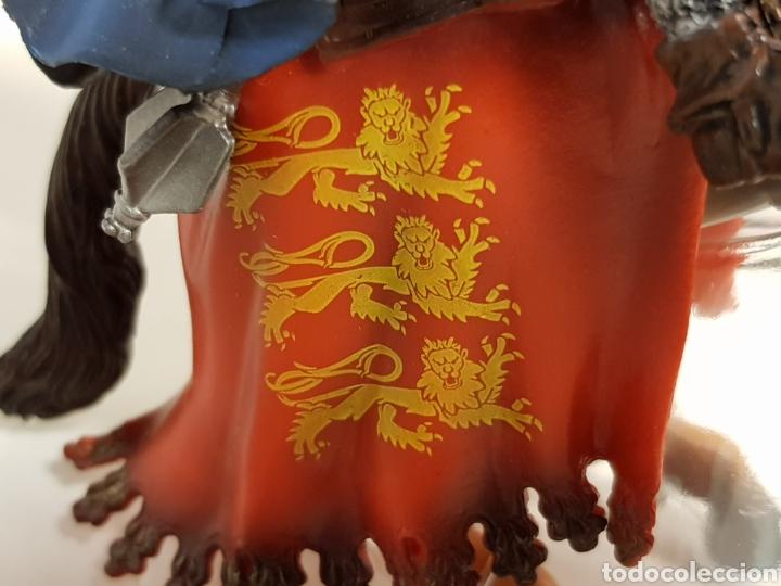 Figuras de Goma y PVC: Figura caballero medieval inglés en goma plástica majestuoso medidas 14,5 x 10 cm - Foto 3 - 122096367