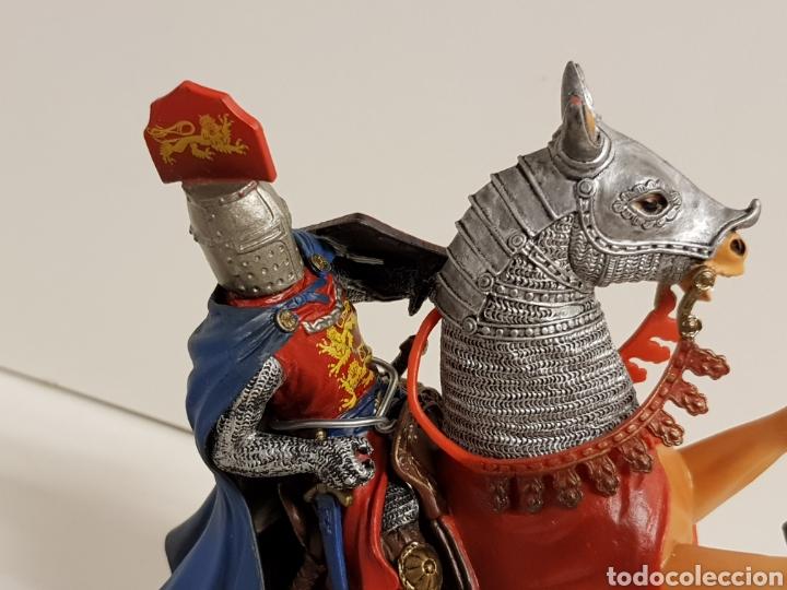 Figuras de Goma y PVC: Figura caballero medieval inglés en goma plástica majestuoso medidas 14,5 x 10 cm - Foto 4 - 122096367