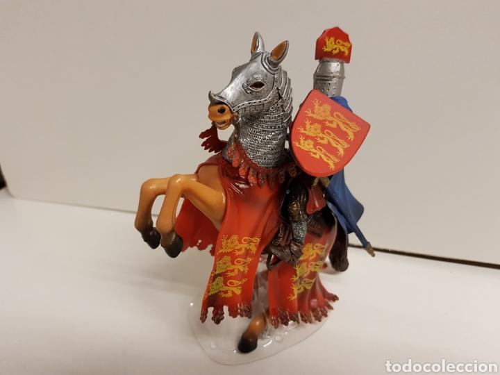 Figuras de Goma y PVC: Figura caballero medieval inglés en goma plástica majestuoso medidas 14,5 x 10 cm - Foto 5 - 122096367
