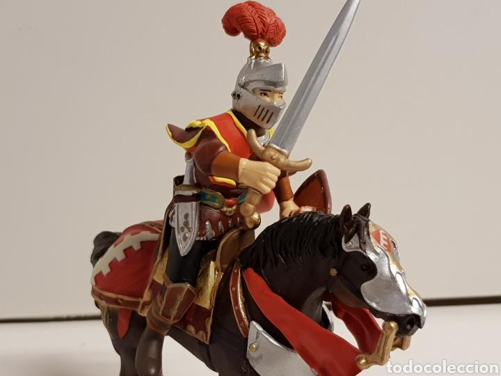 Figuras de Goma y PVC: Caballero medieval con escudo flor de lis número 550 papo hecho en goma plástica - Foto 3 - 122098119