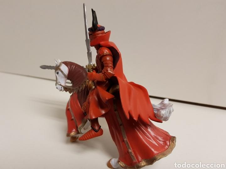 Figuras de Goma y PVC: Soldado épico con armadura roja a caballo fabricado en goma plástica medidas 12 x 14 cm - Foto 3 - 122102208