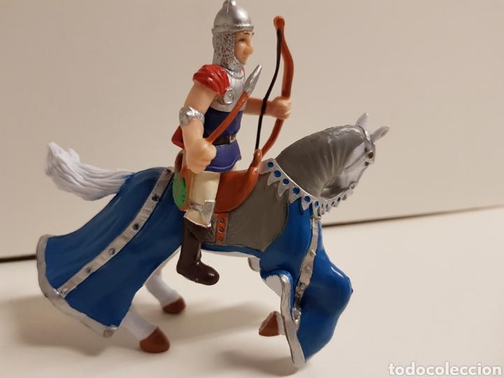 Figuras de Goma y PVC: Arquero medieval a caballo medidas 10 x 10 cm fabricado en goma plástica - Foto 2 - 122102628