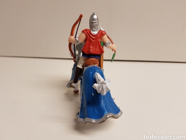 Figuras de Goma y PVC: Arquero medieval a caballo medidas 10 x 10 cm fabricado en goma plástica - Foto 4 - 122102628