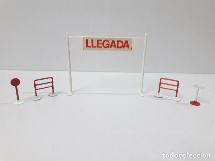 Figuras de Goma y PVC: CARTEL DE SALIDA LLEGADA - VALLAS Y SEÑALES . VUELTA CICLISTA . REALIZADOS POR M. SOTORRES . AÑOS 60 - Foto 2 - 122413063