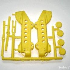 Figuras de Goma y PVC: MONTAPLEX HOBBY-PLAST - 1 COLADA DEL HELICÓPTERO DE TRANSPORTE GRANDE. Lote 142362996