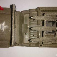 Figuras de Goma y PVC: JEEP DE PLÁSTICO LANZA MISILES. Lote 123006706