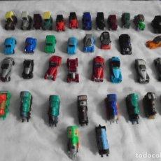Figuras Kinder: 38 FIGURAS KINDER LOCOMOTORAS COCHES DE EPOCA VER FOTOS. Lote 123546611