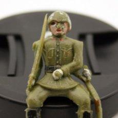 Figuras de Goma y PVC: SOLDADO SENTADO DE TEIXIDO - ARTICULADO - PLASTICO. Lote 123864255