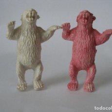 Figuras de Goma y PVC: DOS OSOS PÍE PLÁSTICO AÑOS 60. Lote 124272287