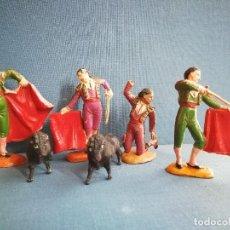 Figuras de Goma y PVC: TOREROS CON TOROS, AÑOS 50.. Lote 124718863