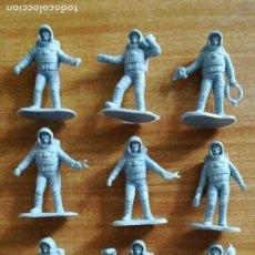 Figuras de Goma y PVC: ONCE FIGURAS ASTRONAUTA, MADE IN CHINA. Lote 125265175