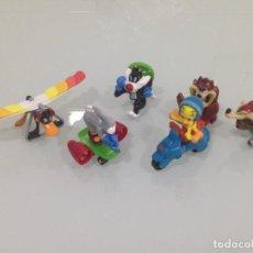 Figuras Kinder: KINDER, LOONEY TUNES, 6 FIGURAS, PIOLIN, BUGS BUNNY, PATO LUCAS, SILVESTRE, EL COYOTE, TAZ. Lote 125846611