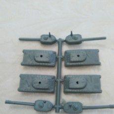 Figuras de Goma y PVC: MONTAPLEX COLADA 4 TANQUES. Lote 125937187