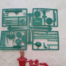 Figuras de Goma y PVC: MONTAPLEX MONTAMAN. Lote 125942496