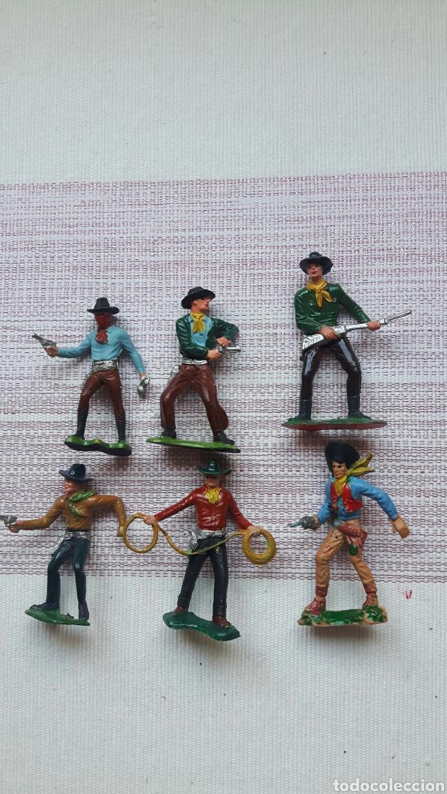 LOTE 6 VAQUEROS Y 1 INDIO (Juguetes - Figuras de Goma y Pvc - Lafredo)
