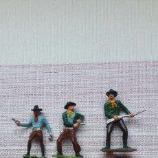 Figuras de Goma y PVC: LOTE 6 VAQUEROS Y 1 INDIO. Lote 126181766