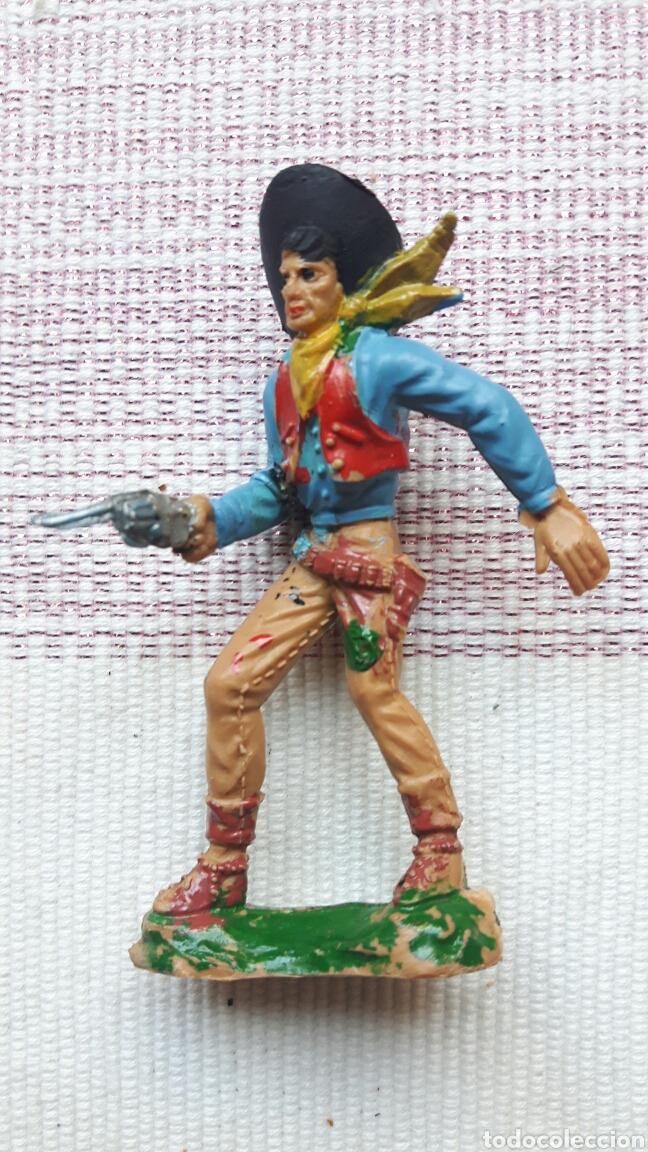 Figuras de Goma y PVC: Lote 6 vaqueros y 1 indio - Foto 2 - 126181766