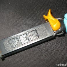 Dispensador Pez: DISPENSADOR DE CARAMELOS PEZ - EL PATO LUCAS - TM & WARNER BROS 1998. Lote 126357391