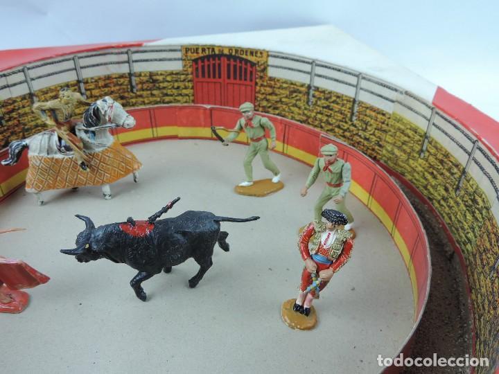 Figuras de Goma y PVC: ANTIGUA PLAZA DE TOROS DE TEIXIDO CON LAS FIGURAS DE GOMA O PLASTICO, TORERO, PICADOR, BANDERILLERO - Foto 4 - 126537039