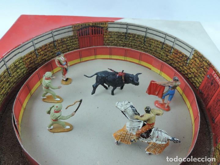 Figuras de Goma y PVC: ANTIGUA PLAZA DE TOROS DE TEIXIDO CON LAS FIGURAS DE GOMA O PLASTICO, TORERO, PICADOR, BANDERILLERO - Foto 5 - 126537039