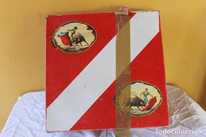 Figuras de Goma y PVC: CAJA PLAZA DE TOROS TEIXIDO, AÑOS 50. CON 10 FIGURAS ARTICULADAS. - Foto 5 - 126717427