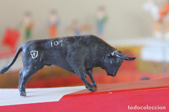 Figuras de Goma y PVC: CAJA PLAZA DE TOROS TEIXIDO, AÑOS 50. CON 10 FIGURAS ARTICULADAS. - Foto 10 - 126717427