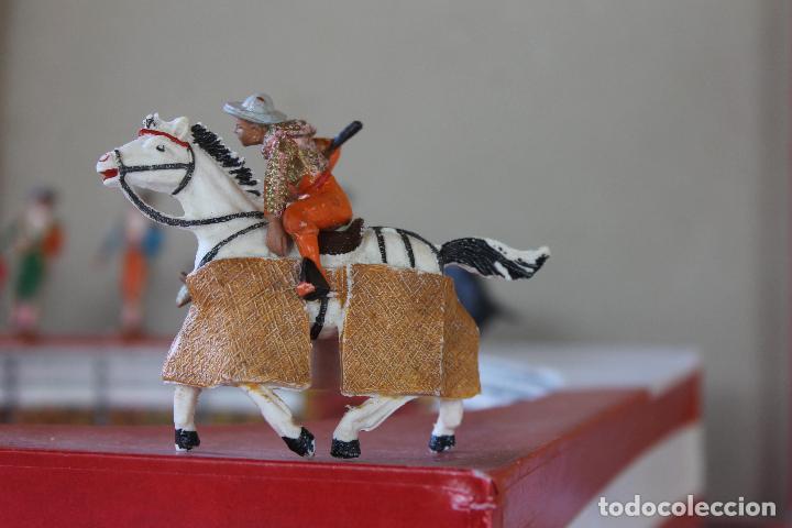Figuras de Goma y PVC: CAJA PLAZA DE TOROS TEIXIDO, AÑOS 50. CON 10 FIGURAS ARTICULADAS. - Foto 11 - 126717427