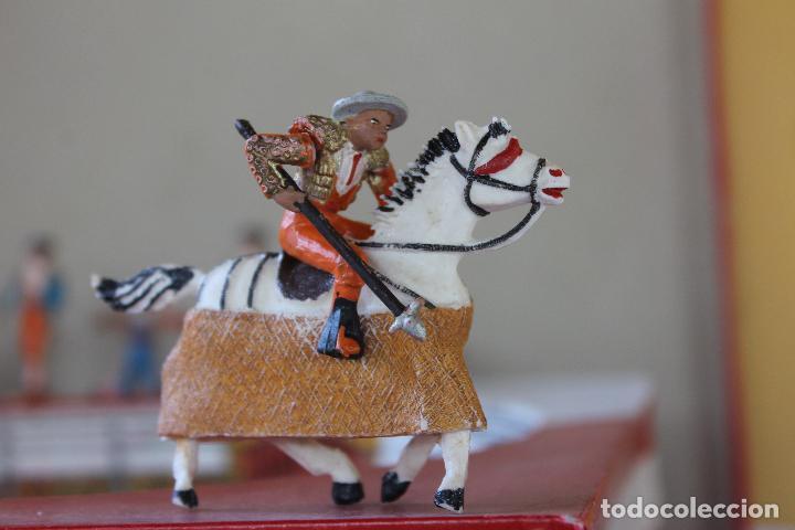 Figuras de Goma y PVC: CAJA PLAZA DE TOROS TEIXIDO, AÑOS 50. CON 10 FIGURAS ARTICULADAS. - Foto 12 - 126717427