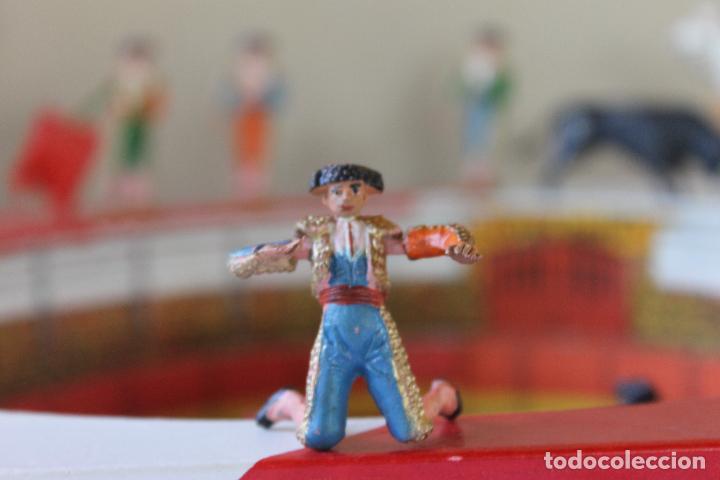 Figuras de Goma y PVC: CAJA PLAZA DE TOROS TEIXIDO, AÑOS 50. CON 10 FIGURAS ARTICULADAS. - Foto 14 - 126717427