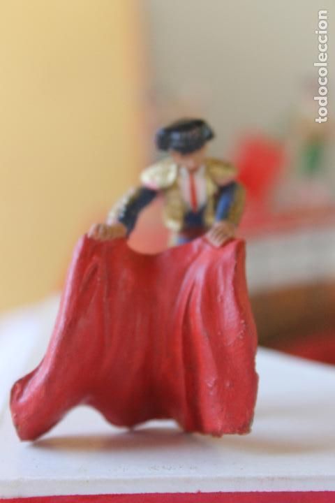 Figuras de Goma y PVC: CAJA PLAZA DE TOROS TEIXIDO, AÑOS 50. CON 10 FIGURAS ARTICULADAS. - Foto 16 - 126717427