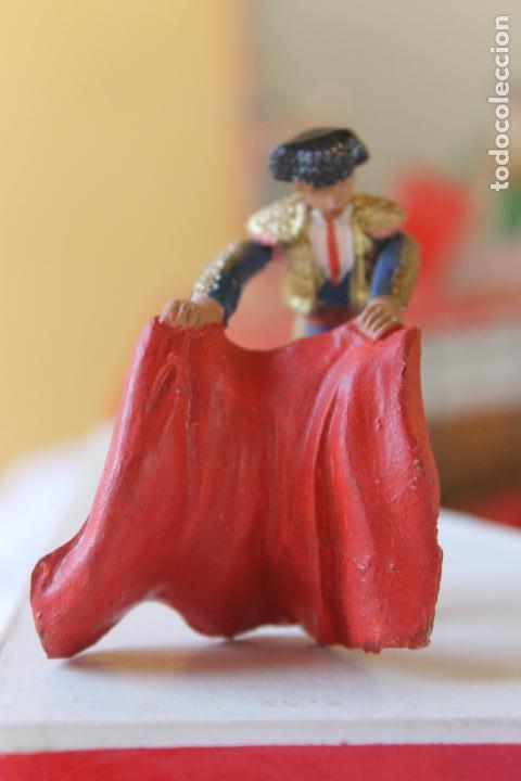 Figuras de Goma y PVC: CAJA PLAZA DE TOROS TEIXIDO, AÑOS 50. CON 10 FIGURAS ARTICULADAS. - Foto 17 - 126717427