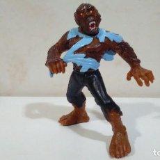 Figuras de Goma y PVC: FIGURA HOMBRE LOBO DE YOLANDA. Lote 126786511