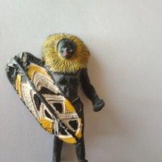 Figuras de Goma y PVC: FIGURA GUERRERO NEGRO ÁFRICA SALVAJE ARCLA. Lote 126801643