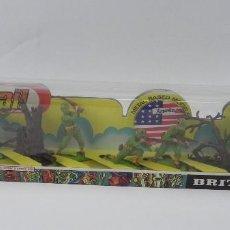 Figuras de Goma y PVC: CAJA DE SOLDADITOS DE INFANTERIA AMERICANA DE BRITAINS LTD 1976, EN PERFECTO ESTADO A PESAR DE SU ED. Lote 126845351