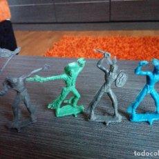 Figuras de Goma y PVC: LOTE 4 INDIOS Y VAQUEROS - SÍMIL LAFREDO - AÑOS 70. Lote 127085379