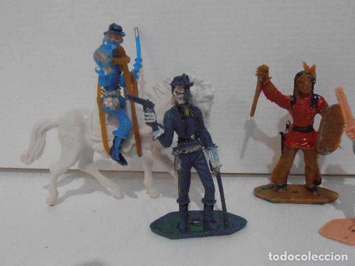 Figuras de Goma y PVC: LOTE DE INDIOS y VAQUEROS PINTADOS DE COMANSI - Foto 2 - 127228351