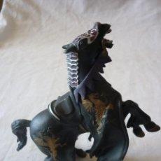 Figuras de Goma y PVC: FIGURA CABALLO MEDIEVAL PAPO - 2004. Lote 127630175