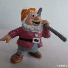 Figuras de Goma y PVC: BULLYLAND. ENANITO DE BLANCANIEVES DE DISNEY.. Lote 127646223