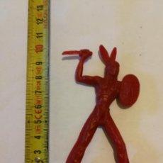 Figuras de Goma y PVC: PIPERO : INDIO GRANDE FUSILADO DE LAFREDO AÑOS 60 MONOCOLOR. Lote 128199419