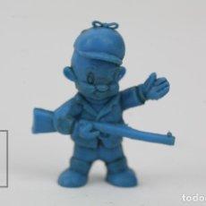 Figuras de Goma y PVC: FIGURITA DE PLÁSTICO DUNKIN - ELMER GRUÑON / ELMER FUDD. LOONEY TUNES / WARNER - AZUL. Lote 128236304