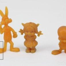 Figuras de Goma y PVC: 3 FIGURITAS DE PLÁSTICO DUNKIN - PIOLIN, PETUNIA, CONEJO BUGS BUNNY. LOONEY TUNES / WARNER - NARANJA. Lote 128236371